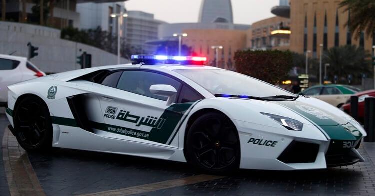 policijski auto u dubaiju