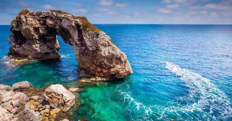 Es pontas prirodni prozor na Majorci