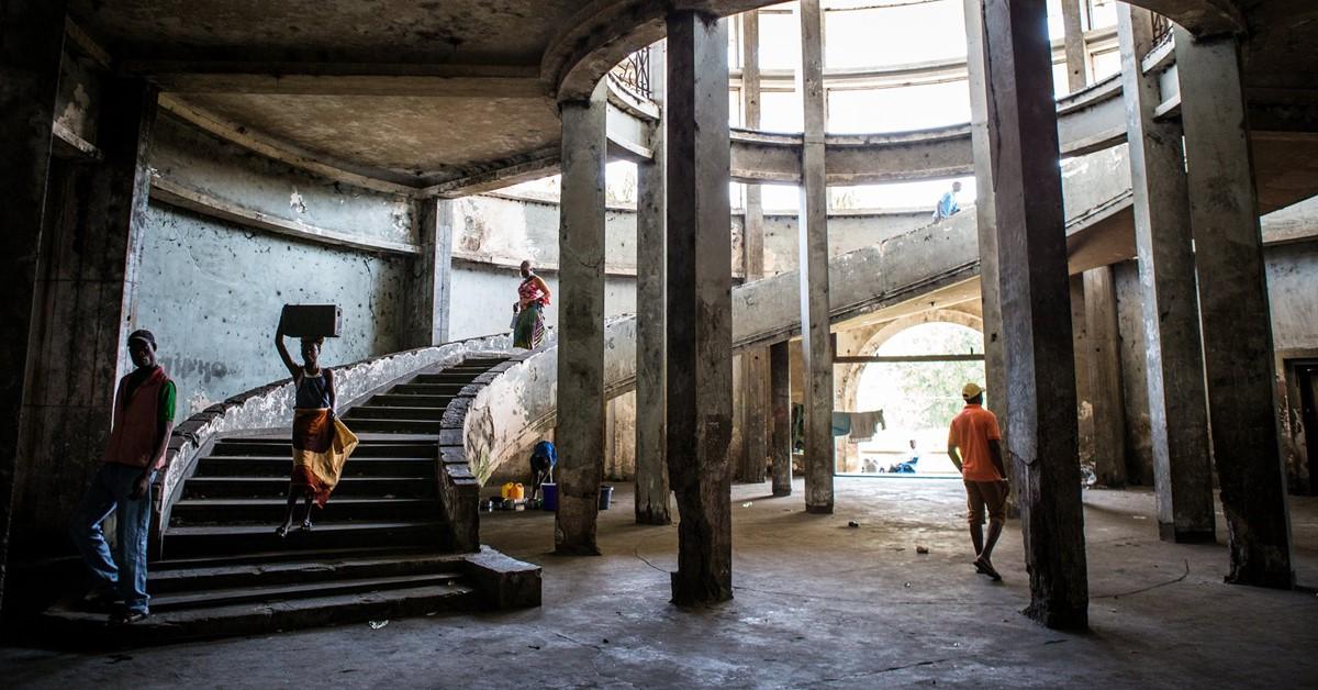 Napušten hotel Grande Beira na Mozambiku