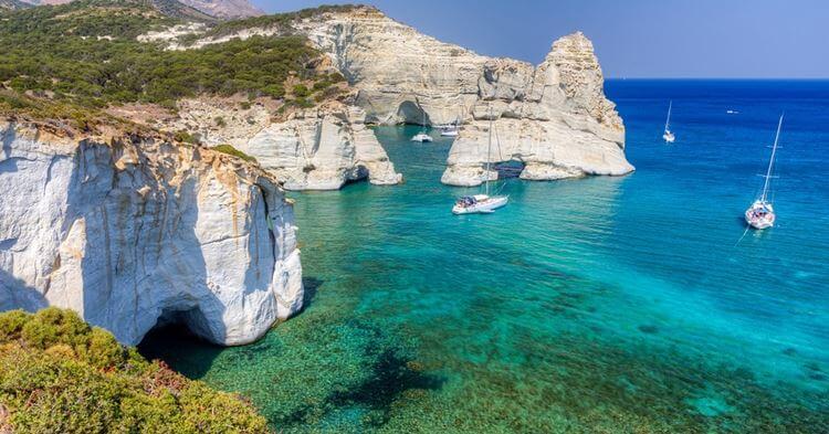 Kleftiko beach u Grčkoj - stene i prirodni prozor