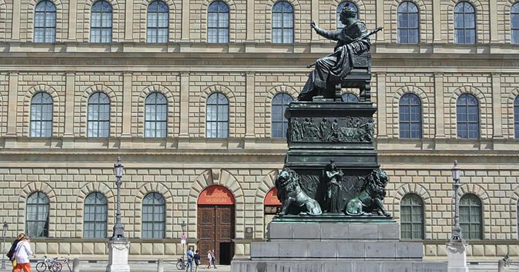Minhenska rezidencija statua