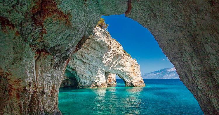 Prirodni prozor na Zakintosu - plave pećine
