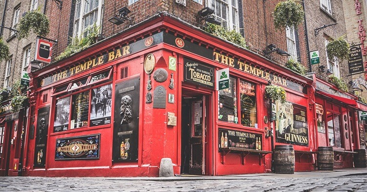 Temple Bar pub - Dablin Irska