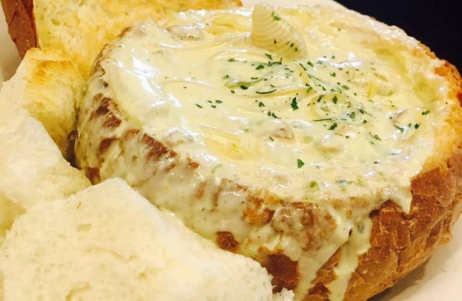 italijanski specijalitet sa hlebom i sirem