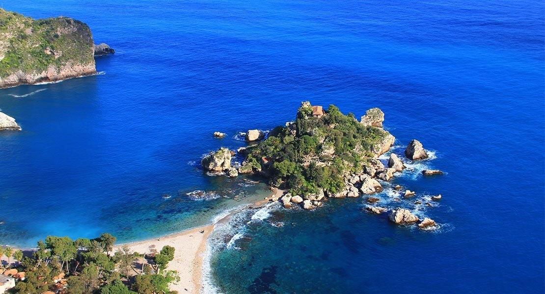 Pogled na more u Siciliji
