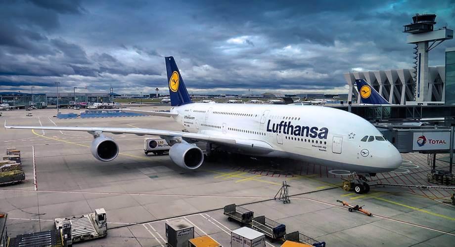 Lufthansa avion na pisti