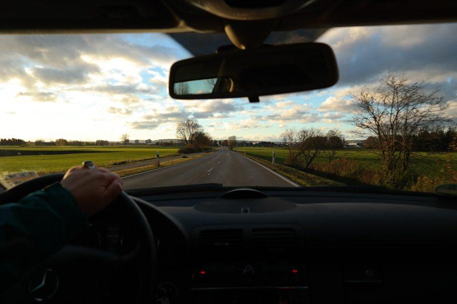 Snimanje vožnje prigradskim putevima