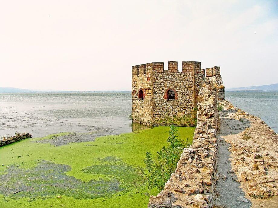 Golubačka tvrđav na reci Dunav