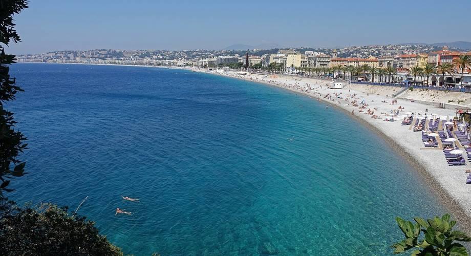 Pogled na plažu u Nici