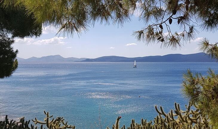 Pogled na more sa Saronskih ostrva u Grčkoj
