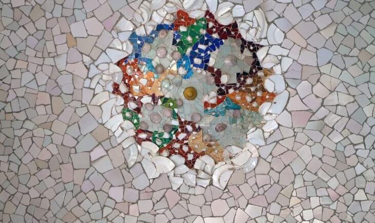 Detalji Gaudijevog mozaika