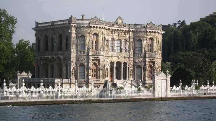 Raskošna palata u Istanbulu